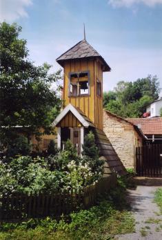 Zvonička předrekonstrukcí 2005
