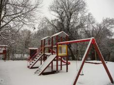 Dětské hřiště vzimě 2020