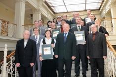 Soutěž Zlatý erb 2011společné foto oceněných