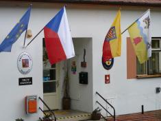 Vyvěšení moravské vlajky 2011u vstupu naúřad