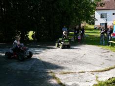 Dětský den 2011elektrická autíčka
