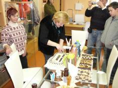 Otevření obecní knihovny 2010zakrojení dortu