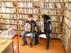 Otevření obecní knihovny 2010hudební vystoupení